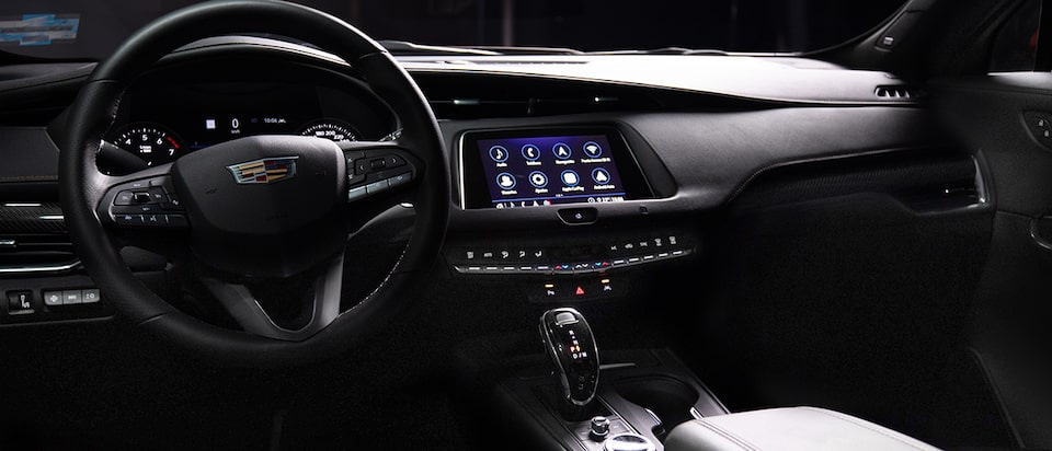 Phone projection con Android Auto y Apple CarPlay para proyectar contenido y aplicaciones en la pantalla central